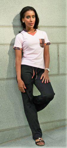 rosa dashiki t-tröja framsida 3 kvinna