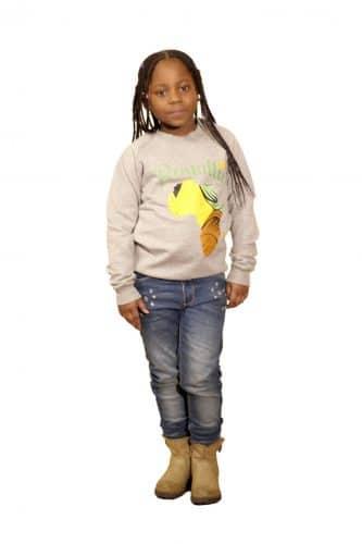 IMG_9653 barn college tröjor grå fram flicka